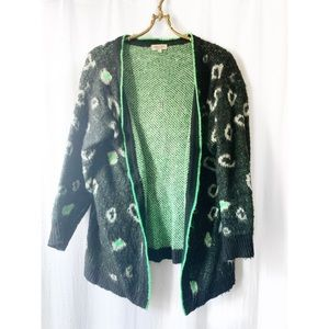 Abstract print fuzzy cardigan